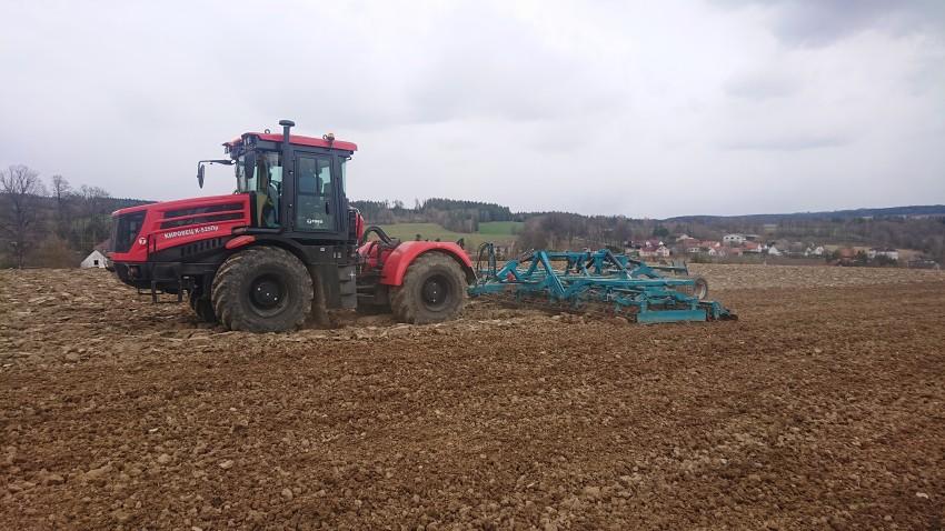 Traktor Kirovec K-525 + Kompaktor Promagro Kontur 6000/ 8000